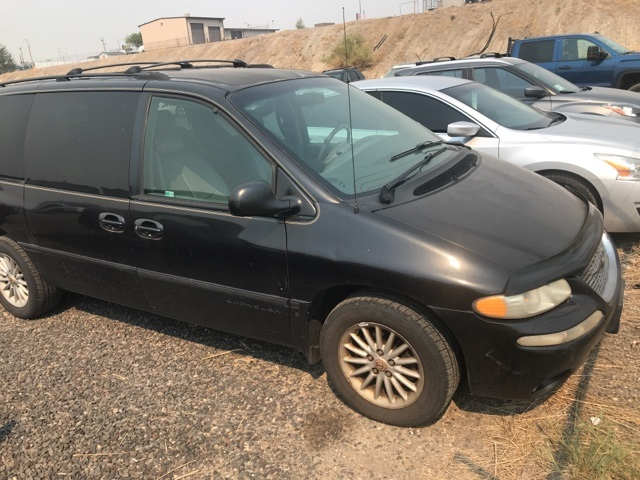 Pre-Owned 1999 Chrysler Town & Country LX