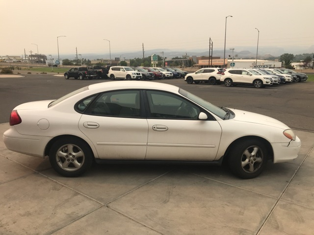 Pre-Owned 2000 Ford Taurus SES