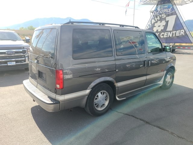 Pre-Owned 2002 Chevrolet Astro LT
