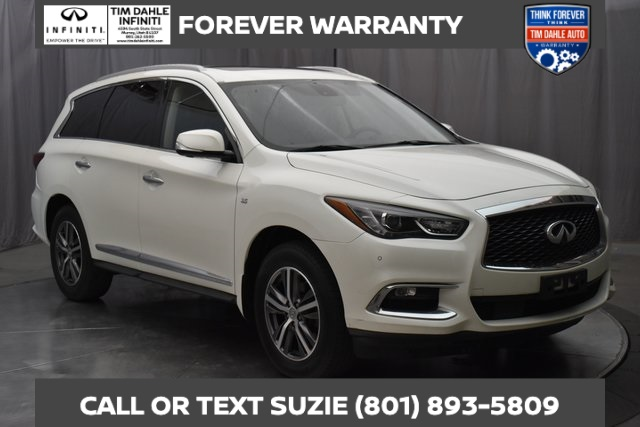 Pre-Owned 2017 INFINITI QX60 Premium Plus